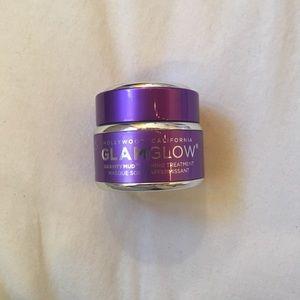 NEW Glamglow gravity mud mask